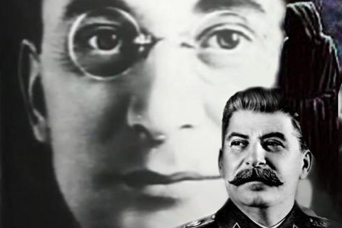Jak se bek Stalin vzbouřil proti kaganovi Kaganovičovi