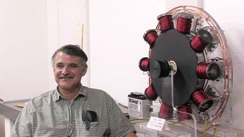 John Bedini s přístrojem