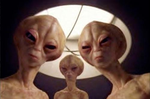 Odtajněné dokumenty: Projekt SERPO, Výměnný pobyt lidí a mimozemšťanů – 12. díl