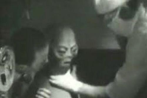 Odtajněné dokumenty: Projekt SERPO, Výměnný pobyt lidí a mimozemšťanů – 21. díl