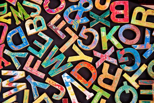 Vulgarizace, zprimitivnění a jasná degenerace lidské řeči