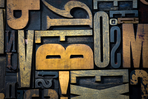Znehodnocování původního poselství slova temnotou